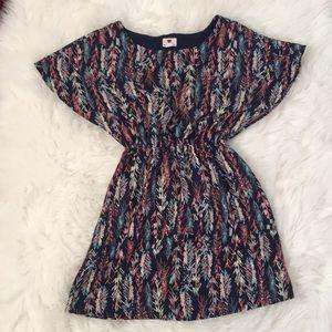 Dresses & Skirts - Short flowy dress